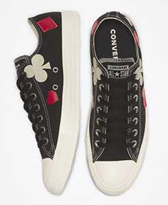 Queen of Hearts black low top