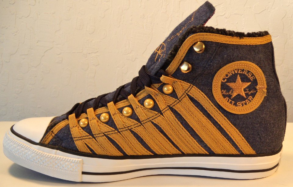 c0b61deeabef30 Jimi Hendrix High Top Chucks