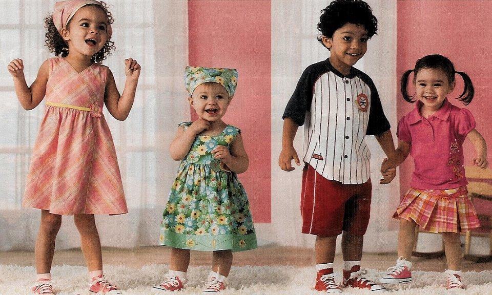6ec68cf4595bbb Little Kids Wearing Chucks