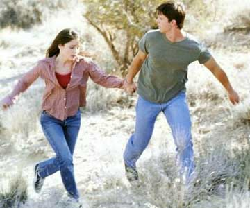Max and Liz on the run in Roswell