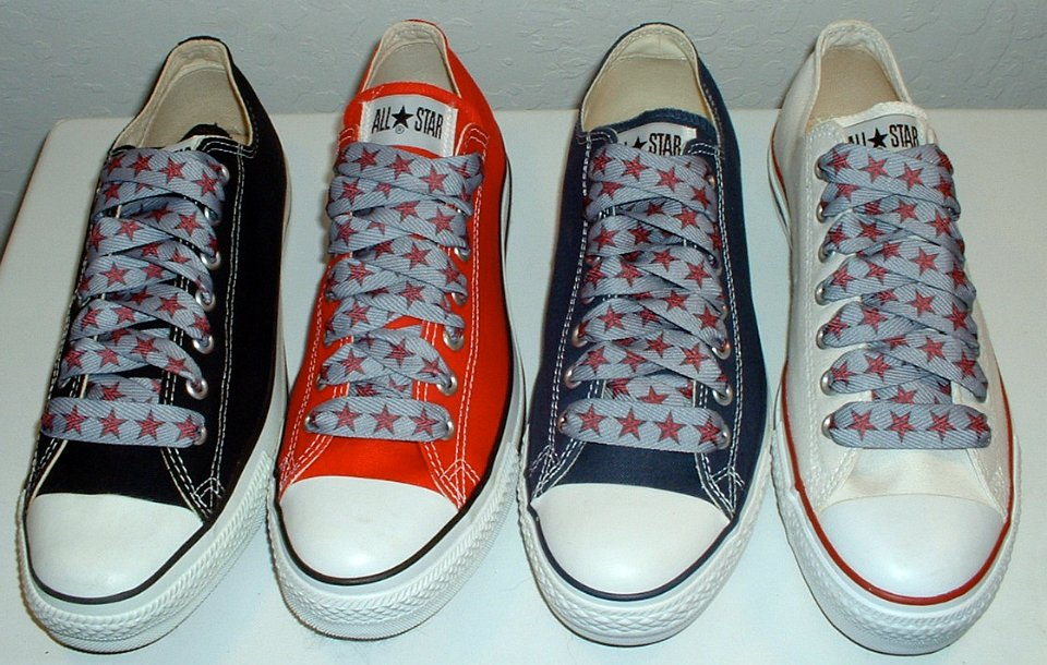 f2d77c824f09 22 Star Print Shoelaces on Chucks Core low cut chucks with red and silver  star print shoelaces.